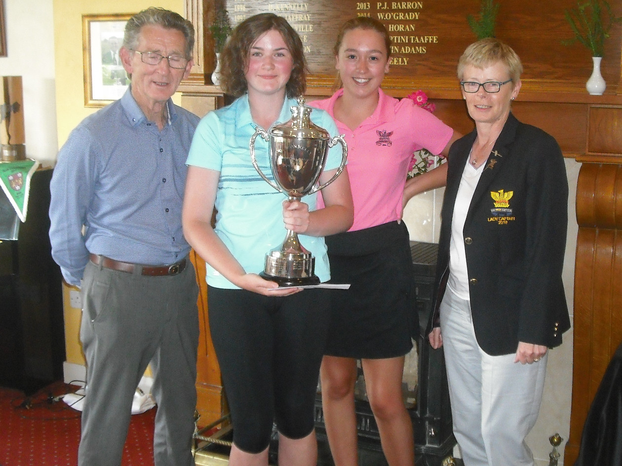 Tony Colville Sponsor Lady Captain Stephanie Junior Captain Joanne