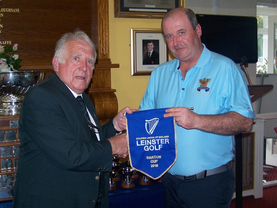 John Lynch Team Manager accepts pennant from Chairman Leinster Golf