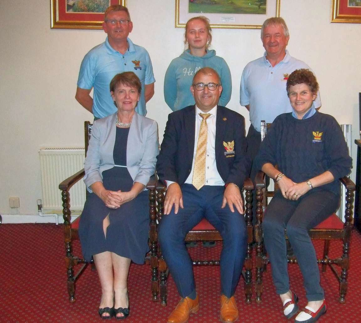 Colton Motors winners Tom Fox, Competitions Secretary, Joanne Glynn, Pat Keegan Margaret Allen Brian Gunning, Captain, Mary Kinsella, Lady Captain Elect.